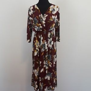 NWT Gilli burgundy floral faux wrap midi dress